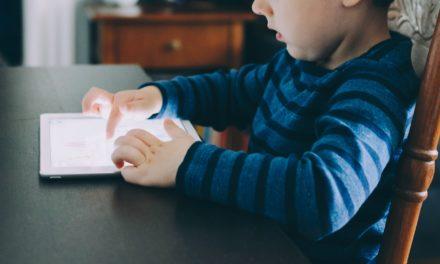 دانش آموزان اوتیسم: آموزش در خانه